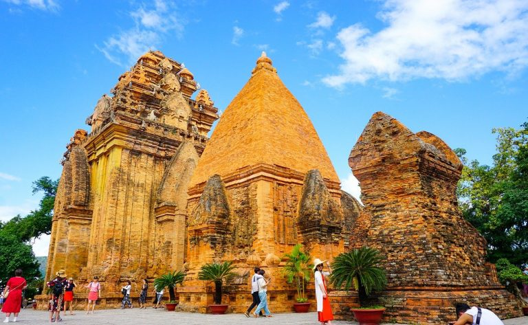 Top Five Temples To Visit In Delhi