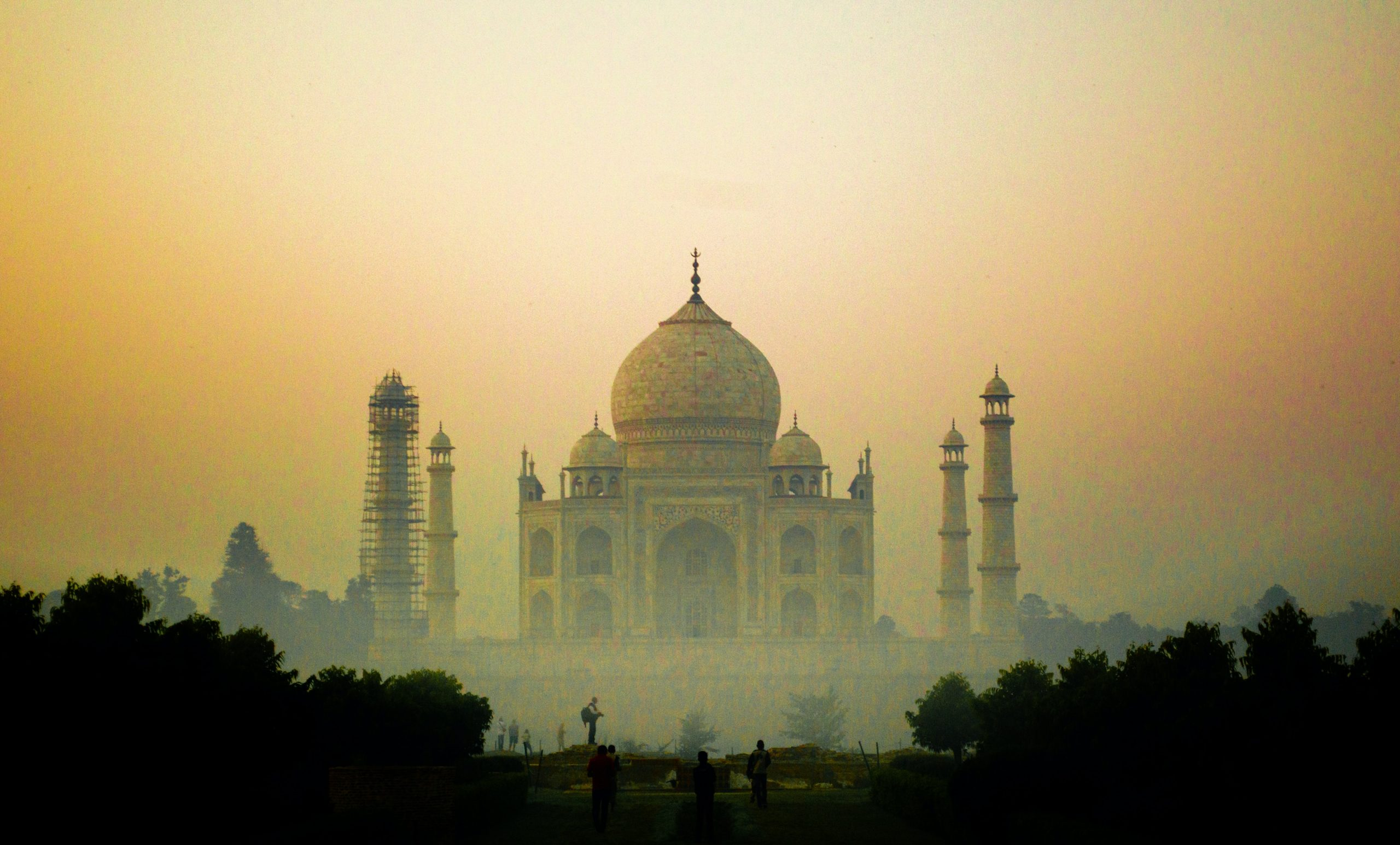 What are the top 5 tourist destinations in India?