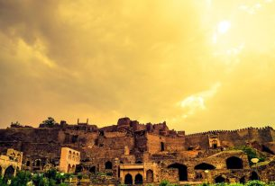 THE CROWNING GLORY OF GOLCONDA
